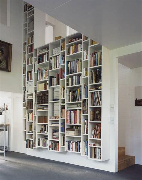 Bibliotheque Decoration De Maison by Une Biblioth 232 Que De R 234 Ve Dans Une Maison Design Salon