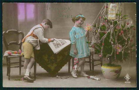 children decorate their tree 1920 s