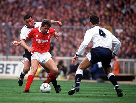 Tottenham 2 Nottm Forest 1 in May 1991 at Wembley. Gary ...