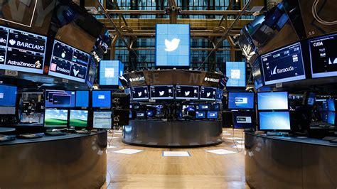 botus  bot  trades based  trumps tweets hits