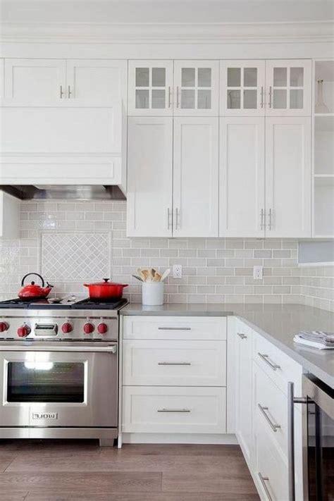Backsplash Ideas With Cabinets by 28 Amazing Kitchen Backsplash With White Cabinets Ideas