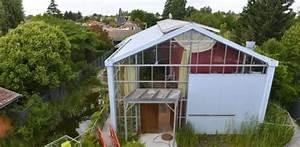maison bioclimatique sous serre par agence action With construire une maison bioclimatique