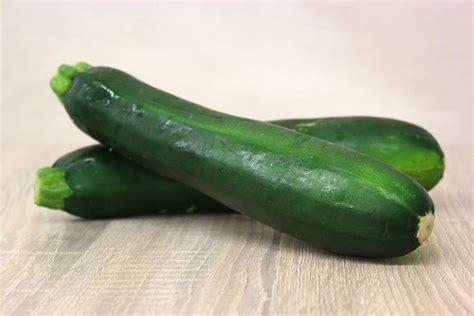 Zucchini, Green, Local, Sustainably Grown - each - Harvest ...