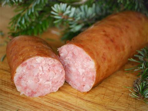cuisiner une saucisse de morteau la véritable saucisse de morteau tourisme en franche comte