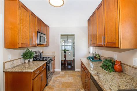 kitchen makeovers hgtv amazing before and after kitchen remodels hgtv 2280