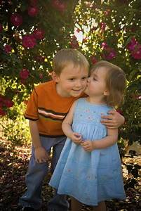 Celebrities  Cool Boy And Girls Kissing Pics  Babies Kissing Wallpapers