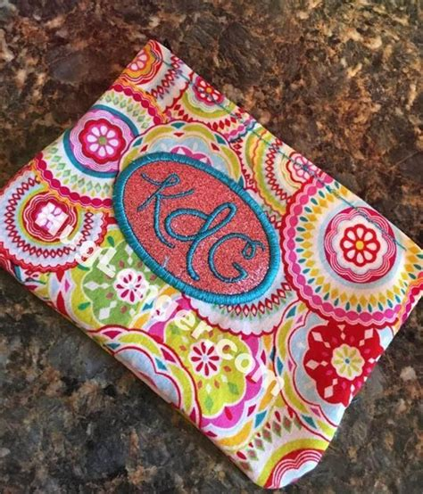 hoop cosmetic bag embroidery file craftsy zipped bag cosmetic bag embroidery