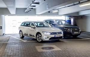 Volkswagen La Teste : volkswagen teste le stationnement autonome ~ Medecine-chirurgie-esthetiques.com Avis de Voitures