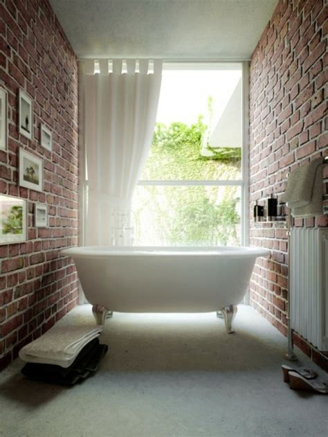 la salle de bains en brique rouge en  exemples