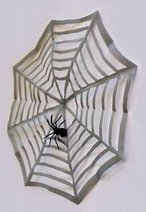 Halloween Deko Aus Amerika : 15 minuten halloween dekoration spinnennetz mit spinne handmade kultur ~ Markanthonyermac.com Haus und Dekorationen