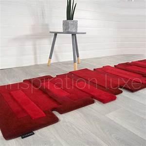 tapis rouge de luxe de couloir design pebbles par angelo With tapis design luxe