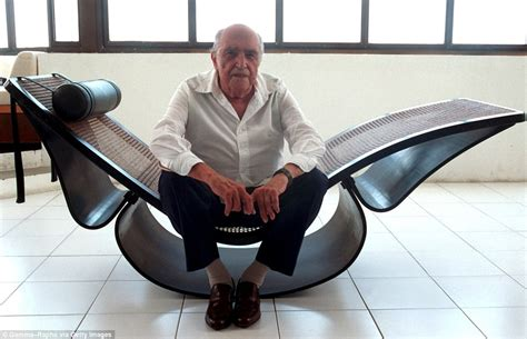 chaise copacabana architect oscar niemeyer who recreated 39 s sensuous