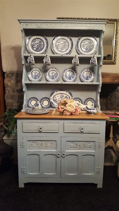 beautifully proportioned vintage  charm dresser