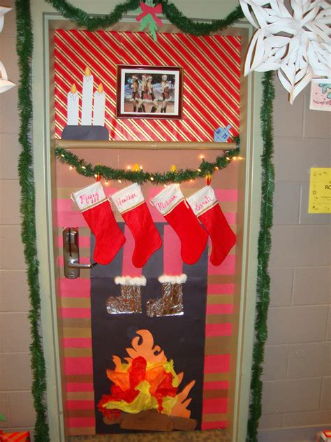 office holiday door contest door decorating contest winner my roommates and i did this before my ra years all