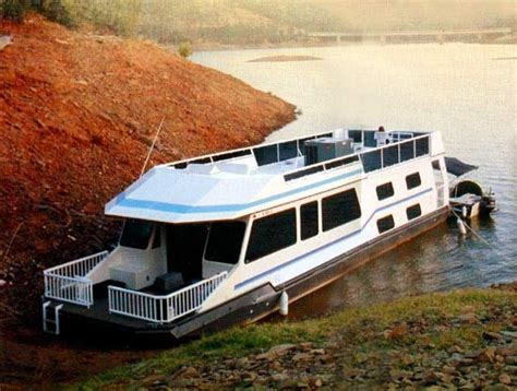 Houseboats For Sale Lake Tahoe by 17 Best Ideas About Pontoon Houseboats For Sale On