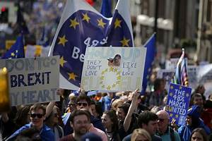 PICS: Thousands March Through London in Last Anti-Brexit ...