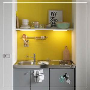 22 best deco jaune images on pinterest for Best brand of paint for kitchen cabinets with papiers peints castorama