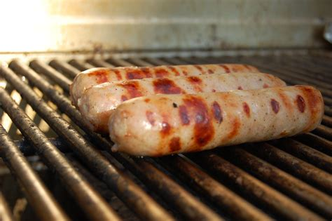 Perfect Grilled Bratwurst