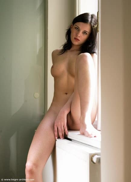 Mona Nude In Photos From Hegreart