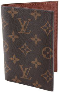 louis vuitton passport covers      tradesy