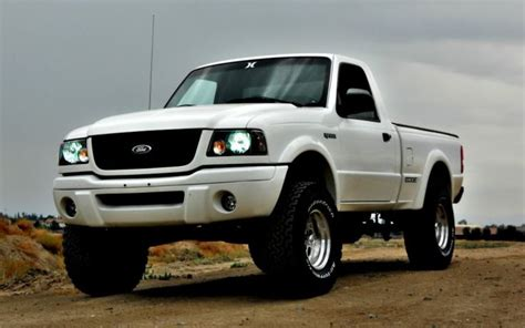 lifted white edges page  ford ranger forum ford ranger ideas pinterest track