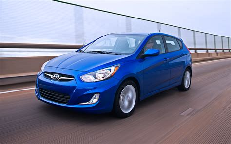 2012 Hyundai Accent Hatchback by 2012 Hyundai Accent Hatchback Front View In Motion Photo 22