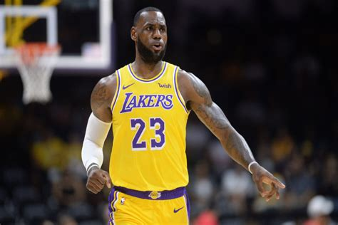 Stay up to date with nba player news, rumors, updates, social feeds, analysis and more at fox sports. Lebron James: O Rei do Instagram! - NBA PORTUGAL