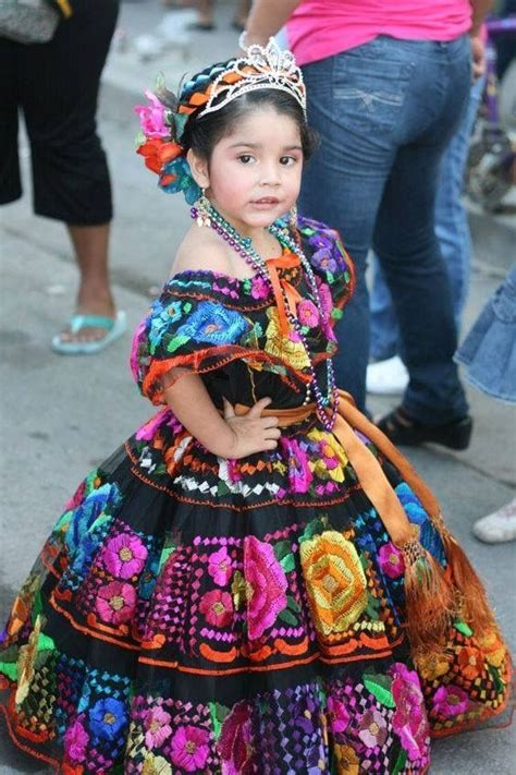 Pin de Rosa Saldua en Fiesta Maxicana Vestidos mexicanos
