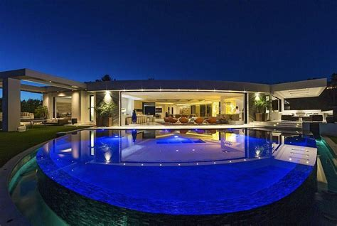 minecraft creator notch buys  expensive mansion  beverly hills