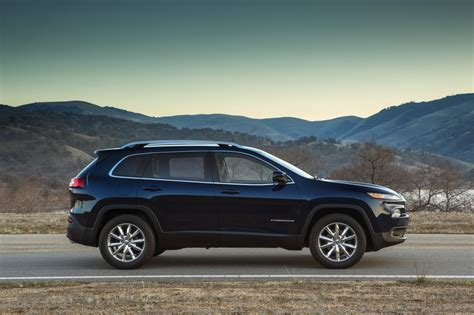 jeep pathfinder 2015 comparison jeep cherokee 2015 vs nissan pathfinder