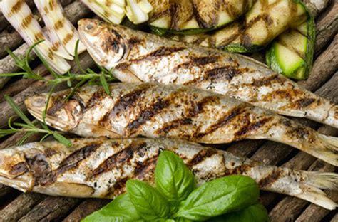 cuisine maquereau comment cuire poisson au barbecue darty vous