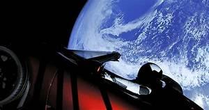 Tesla Dans Lespace : des images dignes de la science fiction regardez cette voiture tesla flotter dans l espace ~ Nature-et-papiers.com Idées de Décoration