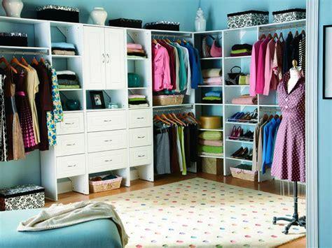 make a closet in a small bedroom transformi o cameră 238 ntr un dressing ca de reviste 21116