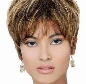 Coupe De Cheveux Femme Visage Rond Cheveux Epais : coiffure cheveux courts femme 50 ans visage rond ~ Nature-et-papiers.com Idées de Décoration