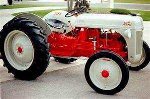 Is There A Cuter Tractor Than This One
