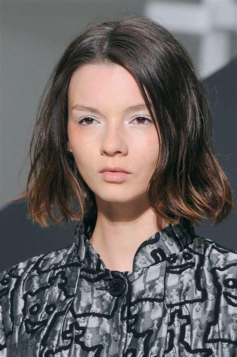 carre droit effile sur les pointes coupes de cheveux