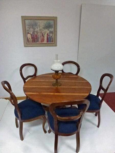 Holztisch Mit Stühlen by Runder Holztisch Mit 5 St 220 Hlen Kaufen Auf Ricardo Ch
