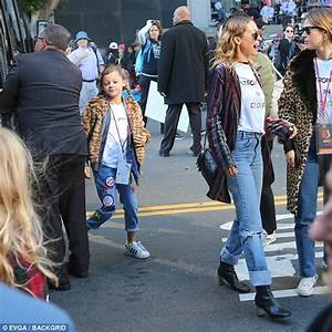 Christie Brinkley with daughter Sailor at Women's March ...