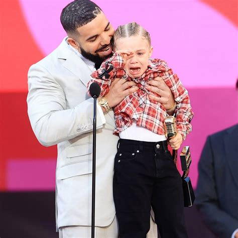 Photos from Billboard Music Awards 2021: Candid Moments ...