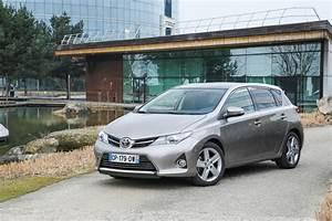 Fiabilité Toyota Auris Hybride : toyota auris feel 2014 nouvelle s rie sp ciale l 39 argus ~ Gottalentnigeria.com Avis de Voitures