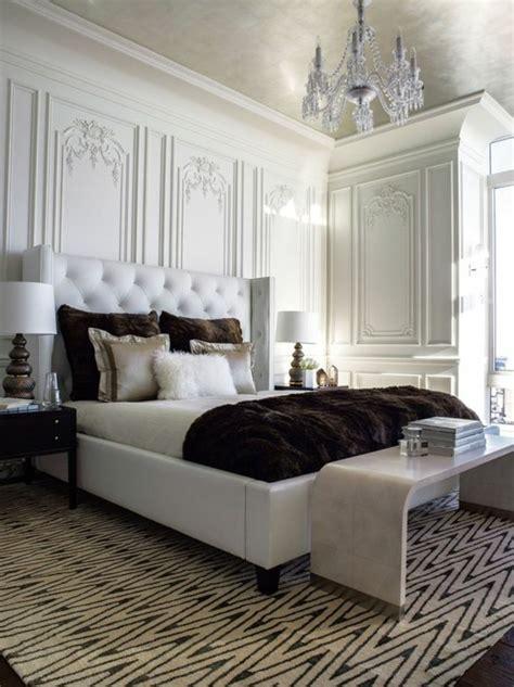 chambre lambris blanc choisissez un lit en cuir pour bien meubler la chambre à