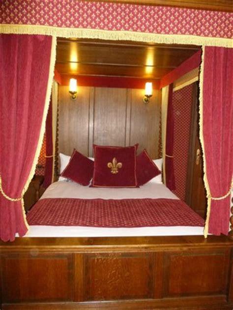 chambre puy du fou magnifique chambre au c du drap d 39 or picture of le