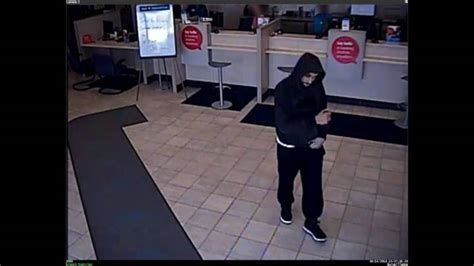 Bmo Kitchener Locations by Release Images Of Suspect In Waterloo Bmo Robbery