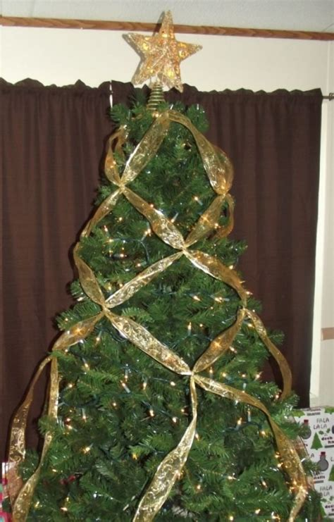 how to criss cross ribbons on a christmas tree holidappy