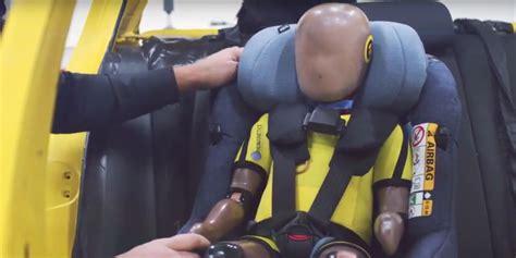 sécurité routière siège auto sécurité routière des airbags dans un siège bébé