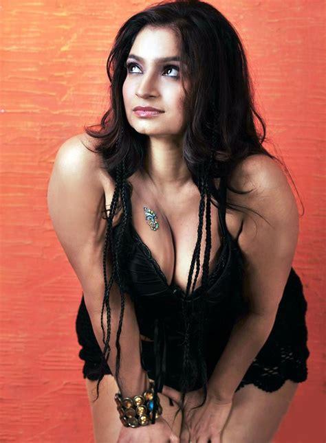 Crush Of The Day Srilekha Hot Boobs N Cleavage In Black