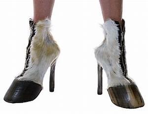 Iris Schieferstein Horse Hoof Boots Shoes