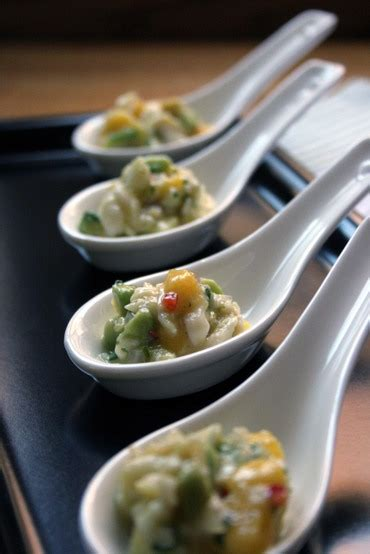 thepassionatecook scallop ceviche spoons  avocado mango