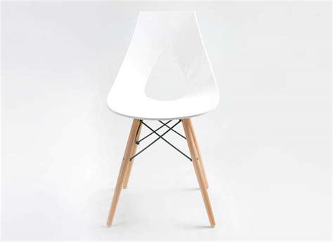 bureau blanc et noir chaise design scandinave blanche eiffel noir rubann w