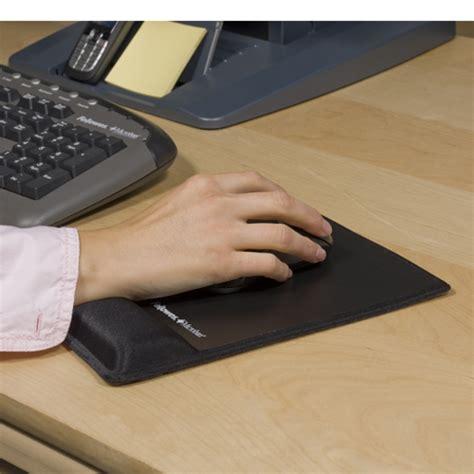tapis de souris ergonomique canal carpien 28 images keyouest tapis de souris ergo noir